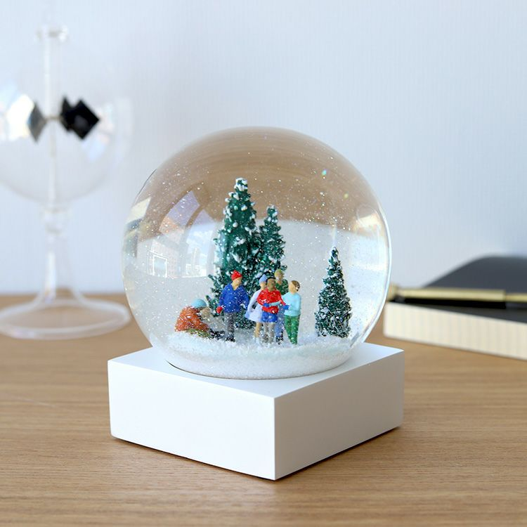 Cool Snow Globes Ice skaters